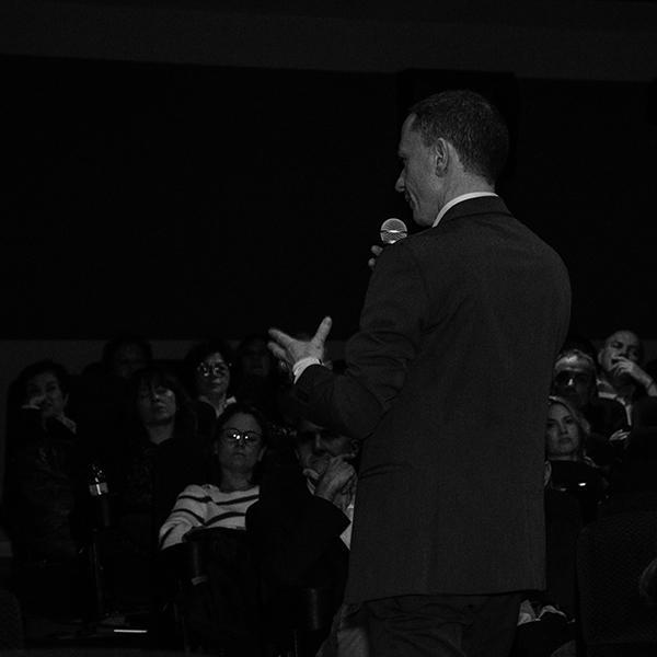 Enric Arola reflexionando sobre progresar profesionalmente a cualquier precio.