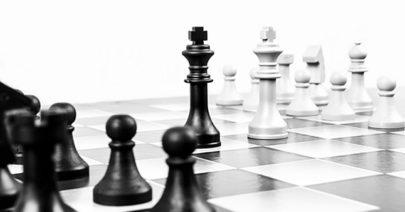 chess-316657_640_400_b